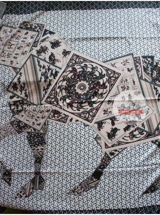 Платок Hermes шелковый белый с серым «Троя» 1365-140